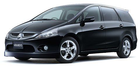 Снимка на Mitsubishi Grandis в черен цвят