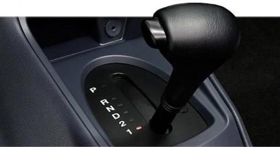 Снимка на скоростен лост от автоматична скоростна кутия