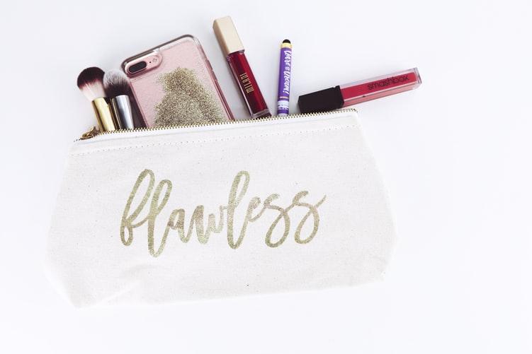козметика в багажа