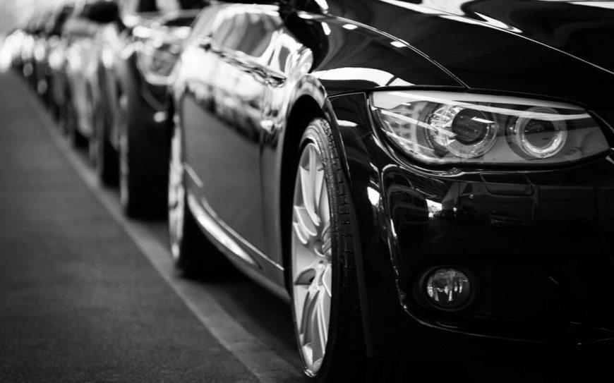 Снимка на коли, които се дават под наем